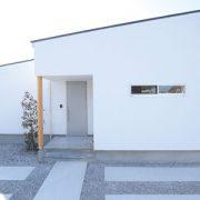 広い玄関のある人気の平屋「ソラマド」のある暮らし