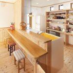 """""""アンティークが似合うカフェ""""をイメージした個性的な住空間"""