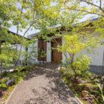 多目的に使える大空間が魅力 自然素材と暮らす平屋建て